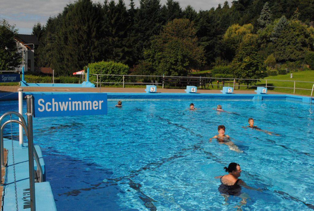 Schwimmen in Wolfenhausen