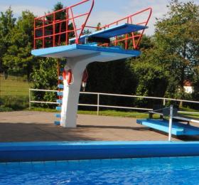 Schwimmbad Wolfenhausen